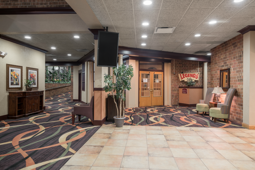 Holiday Inn & Suites - St. Cloud